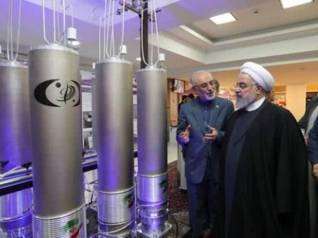 伊朗总统鲁哈尼曾参观IR-6型离心机。