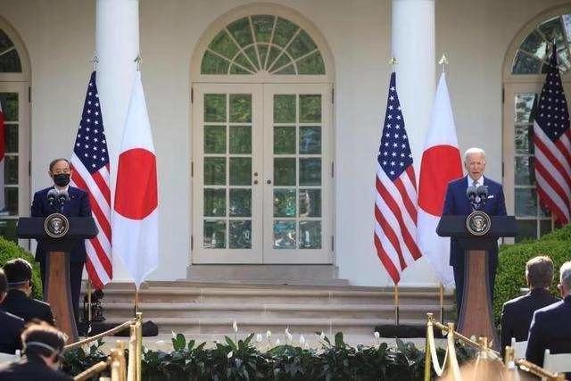 拜登與菅義偉共同記者會。