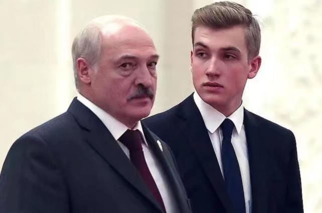 盧卡申科及其兒子。