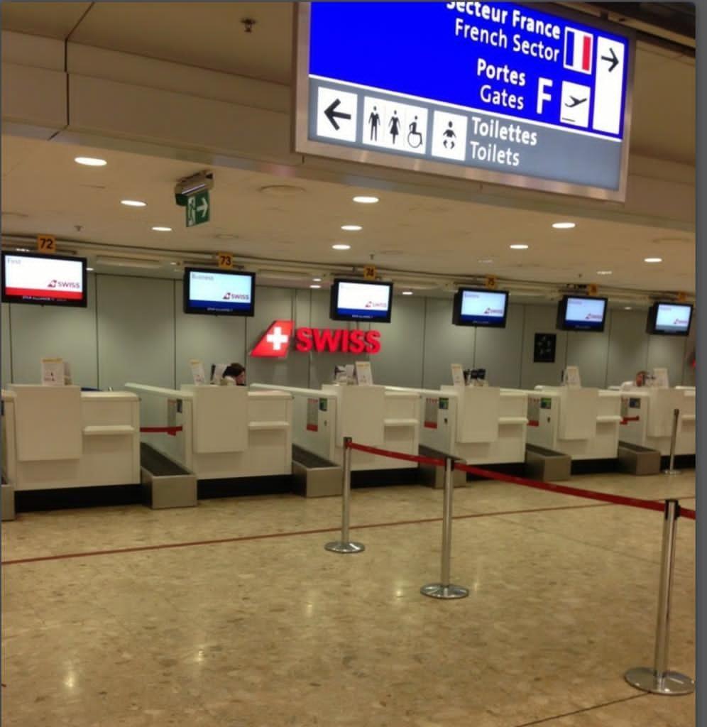 日內瓦機場的航空公司櫃位。資料圖片
