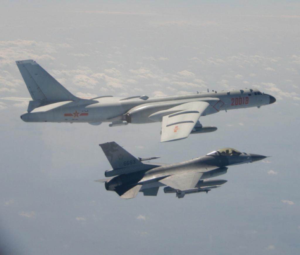 解放軍戰機不斷繞台飛行。