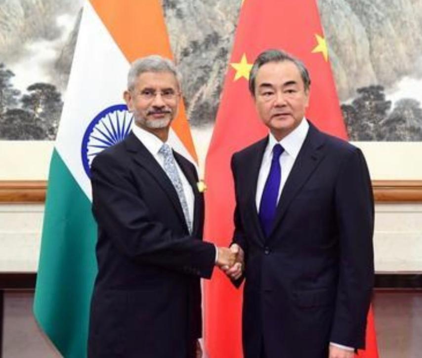中國國務委員兼外交部長王毅同印度外交部長蘇傑生。資料圖片