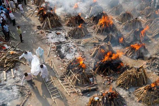 印度的露天火葬場情況可怕。