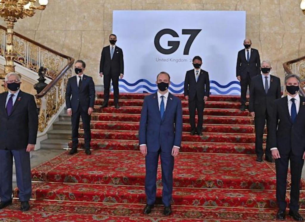 G7外長會後合照。