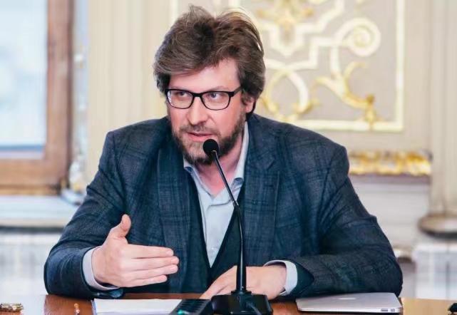 俄联邦外交与国防政策委员会主席卢基扬诺夫。