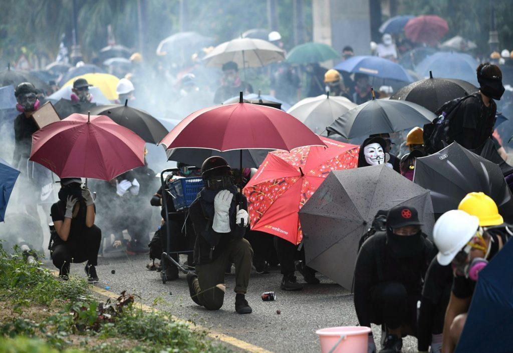 加拿大人权团体的共识是,许多针对香港抗议者的逮捕和指控是没有道理的,但加拿大移民官员警告渥太华,情况并非总是如此。