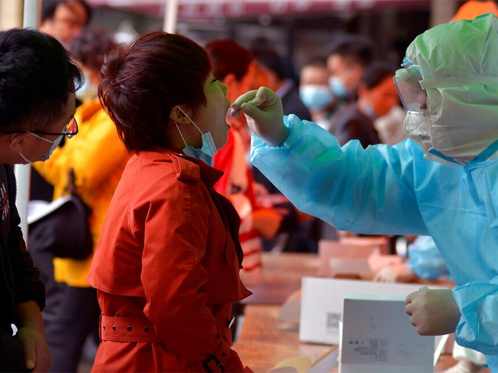 福鑫认为中国防疫评分是10分满分。