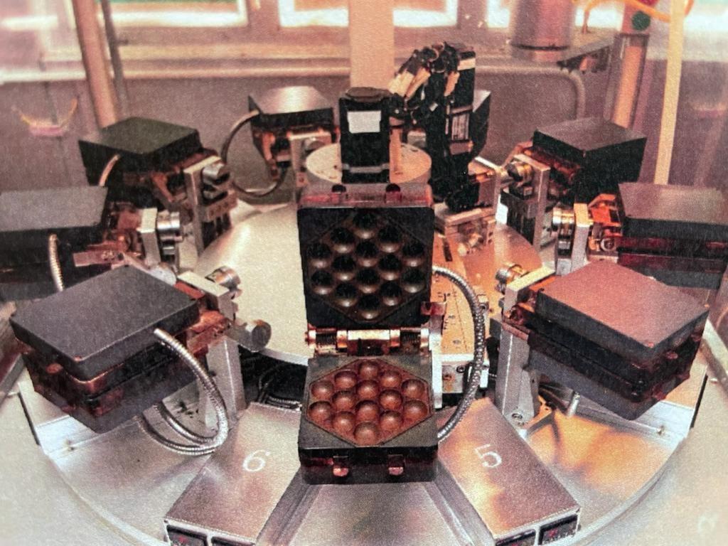 鸡蛋仔制作系统。