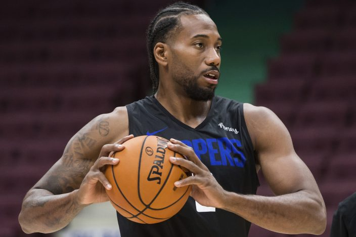 Kawhi Back In Canada Nba Gms Think He Ll Go Back To Finals