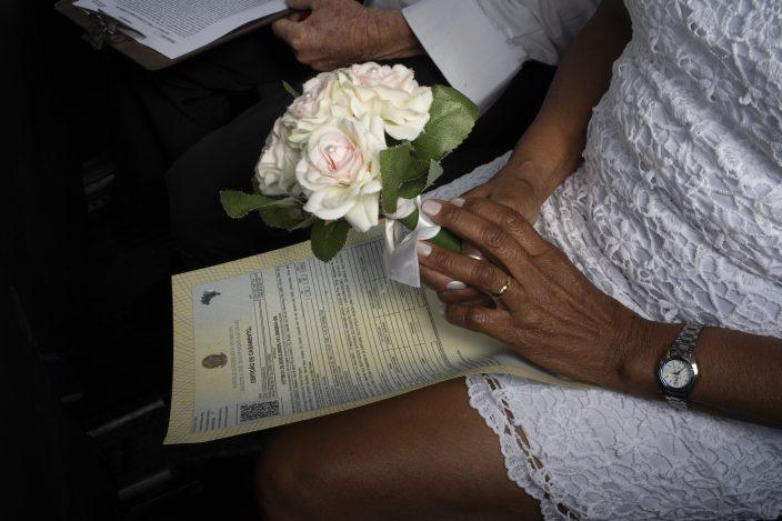 Brazilians Say I Do At Drive Thru Weddings To Avoid Virus
