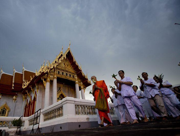 APTOPIX Thailand Wesaka Bucha