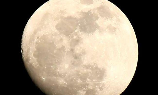 明晚的月亮是21世紀至今最近地球的滿月。網上圖片