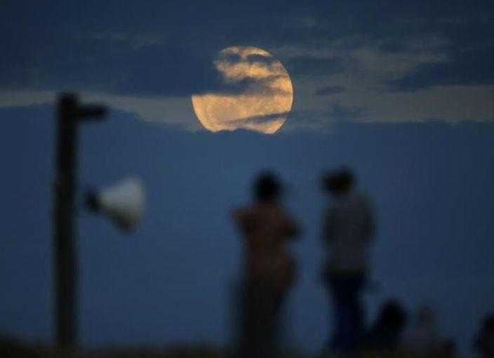 新南威爾斯州上空的月亮(網上圖片)