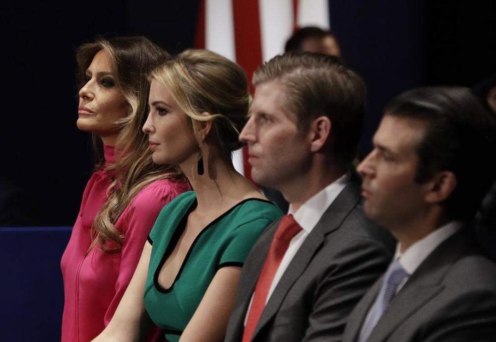 据报特朗普离任前下令特勤局保护更多家庭成员