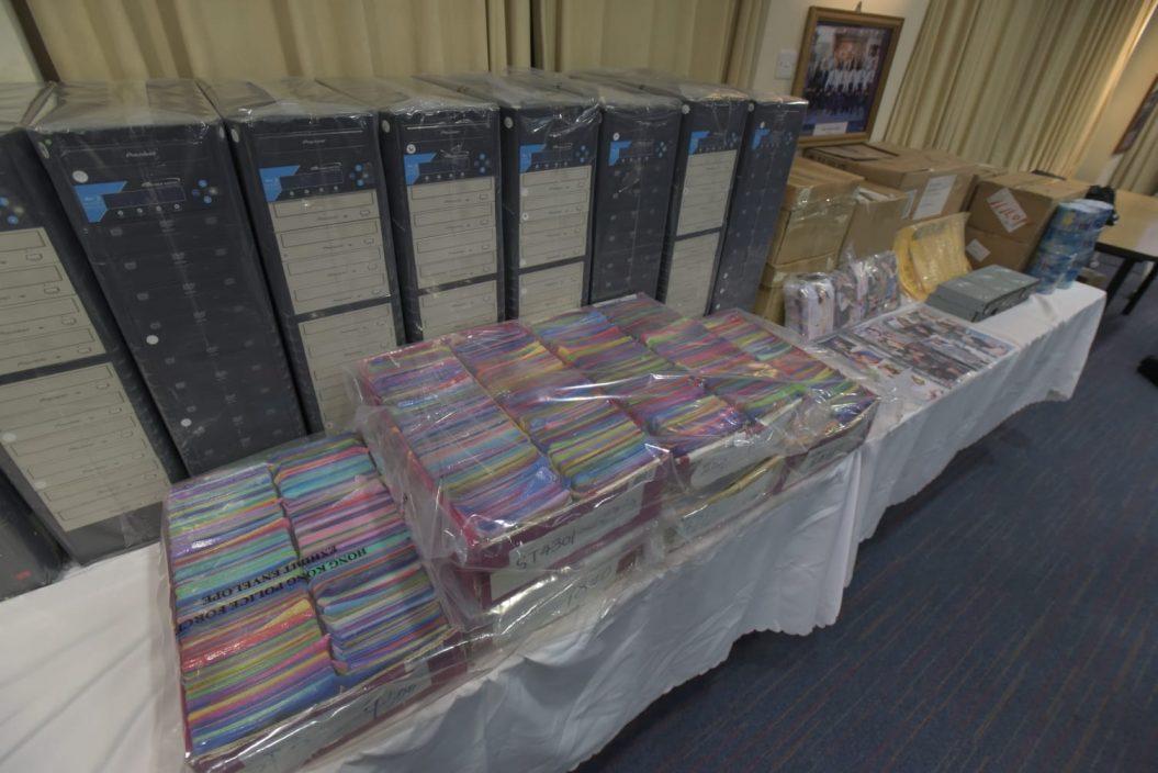 警搗破色情光碟集團 檢15萬光碟拘13人
