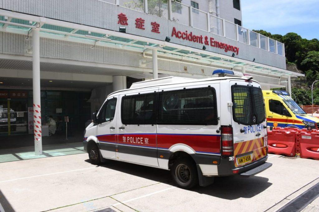 将军澳中年妇年三十晚遭电动滑板车撞伤 警缉一对男女