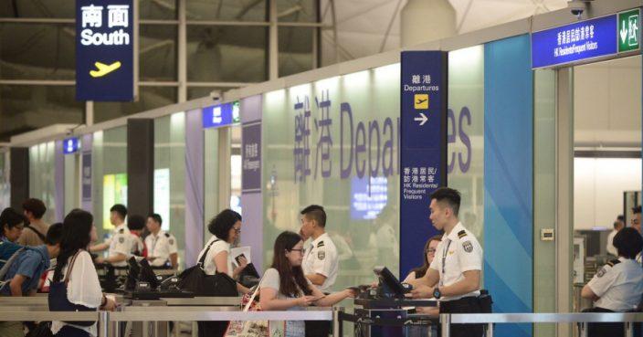 政府向机场员工发出强制检测公告 料7万人须受检