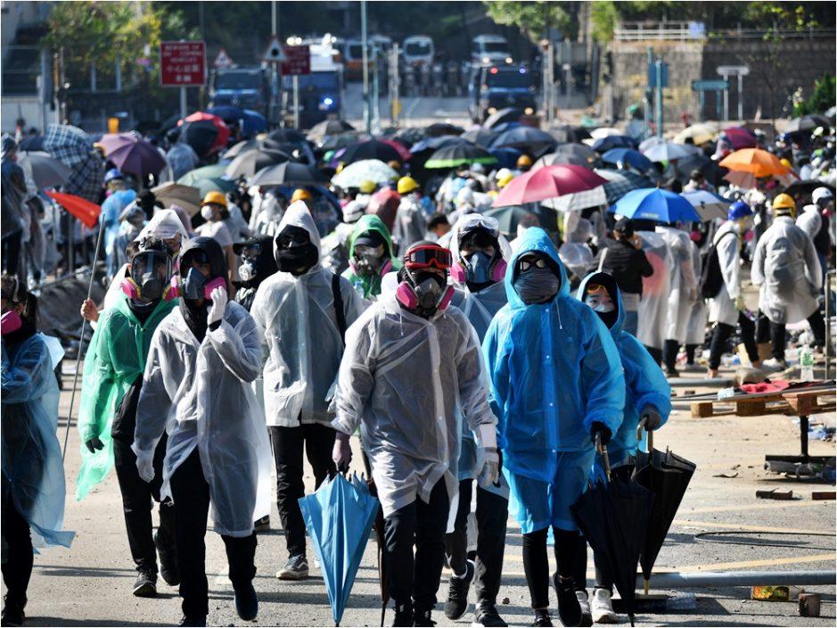 【理大冲突】警再拘11人涉参与暴动等罪 明早提堂