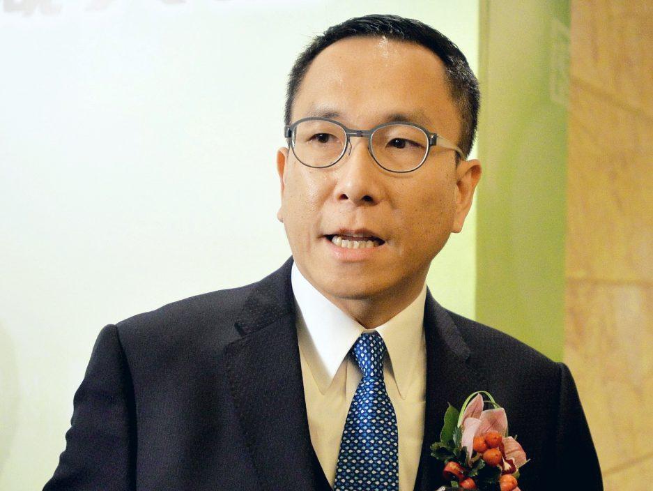 施荣忻:只有完善选举制度 香港才能拨乱反正