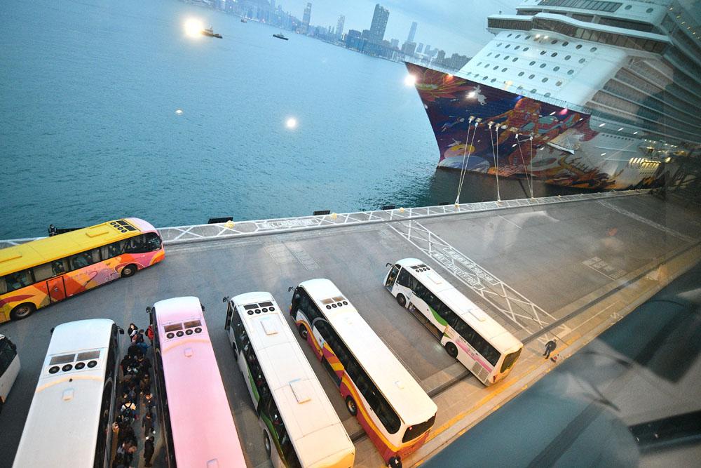 议员促启德邮轮码头闲置地增设车位 邱腾华:已有近200车位料可应付