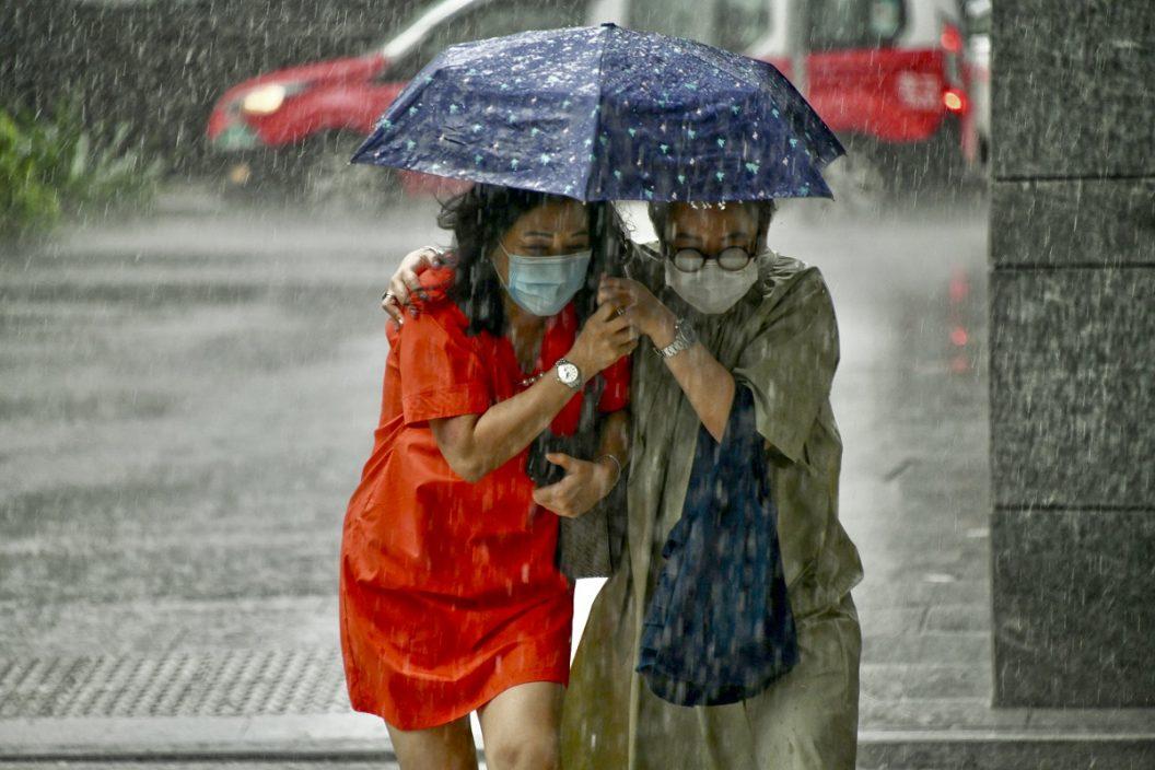 天文台料今年异常暖及较少雨 或有5至8个风暴趋近香港