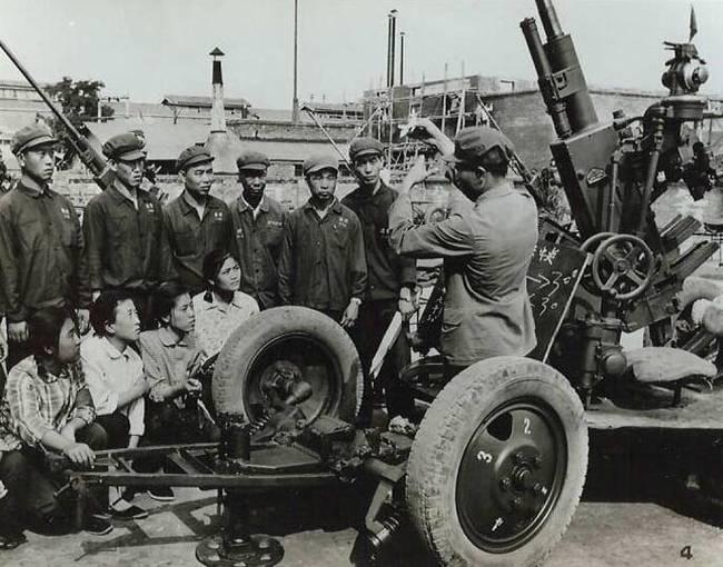 老照片:全民皆兵的年代