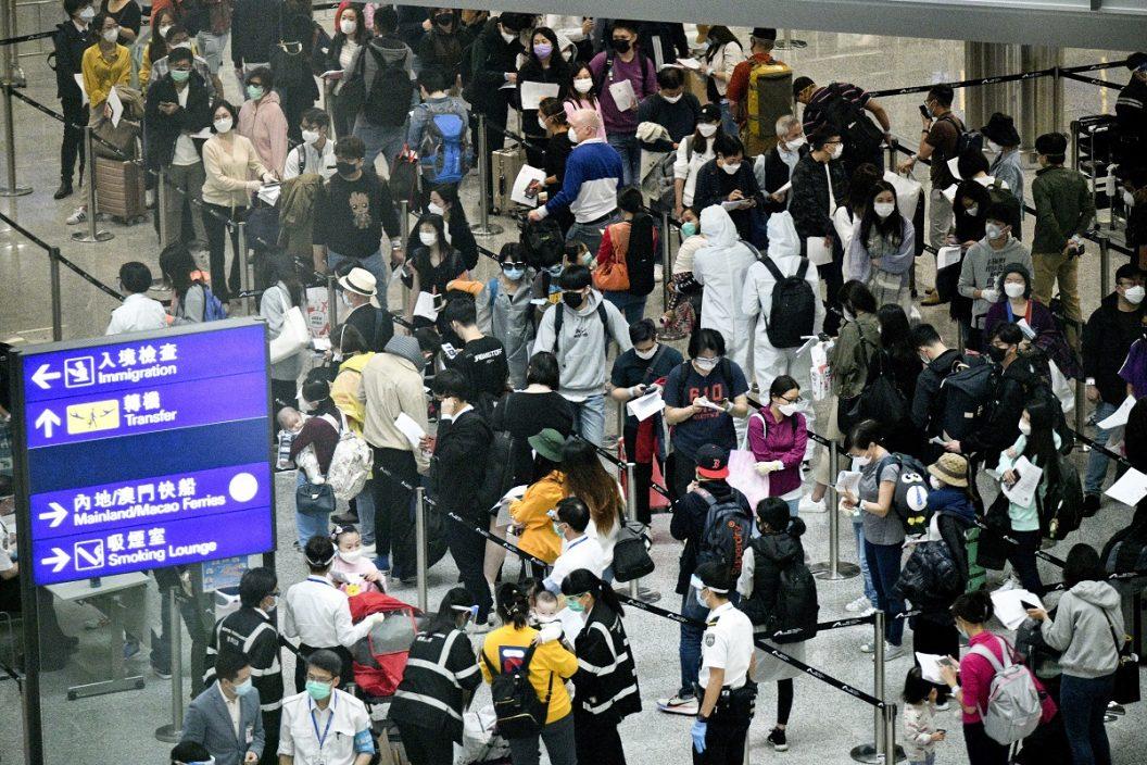 滞留英国港人月底乘2航班返港 入住青衣酒店检疫21天
