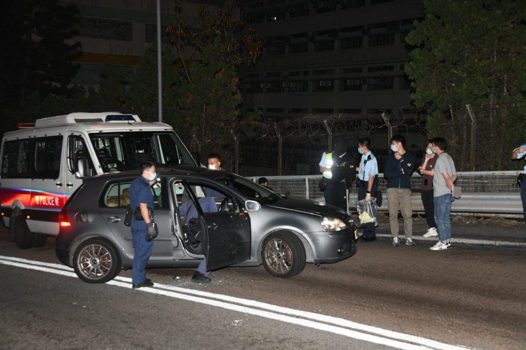 葵盛围毒男飙车800米逃捕 警车追撞截停拉人