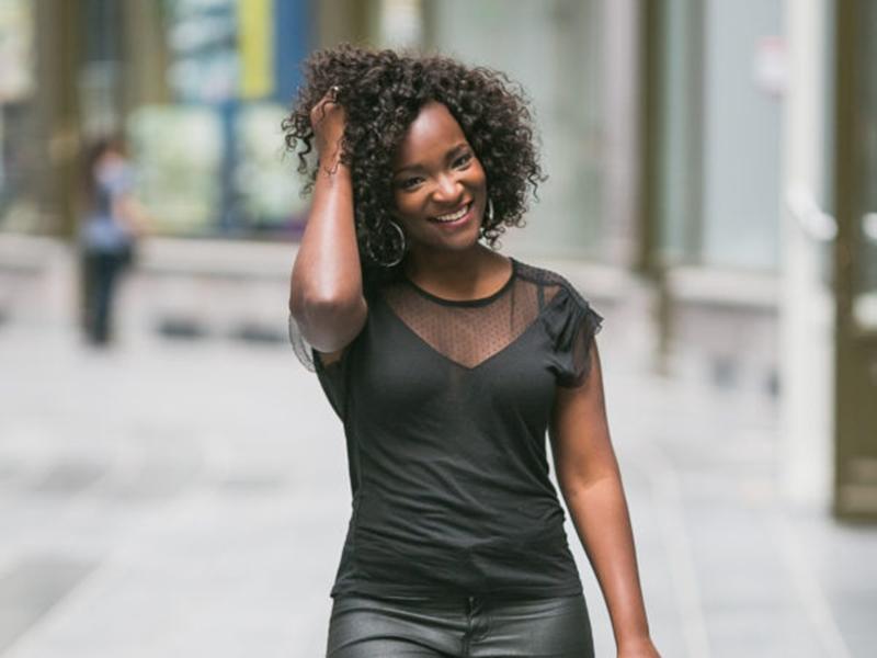 比利时黑人天气女郎遭种族歧视 涉事男子判监15天