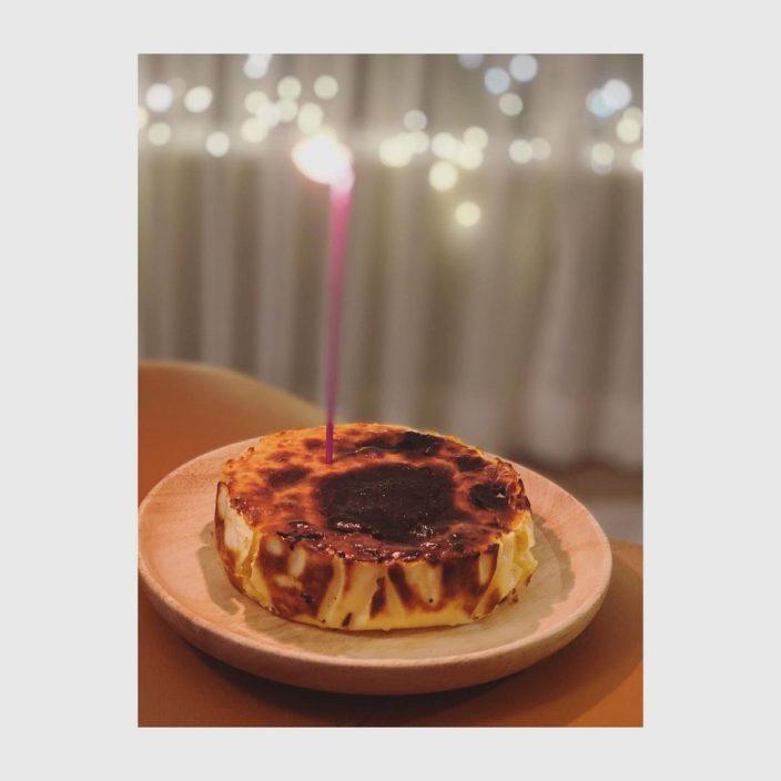 炮制蛋糕为男友隔空贺寿 邓丽欣王子甜爆传情获网民祝福