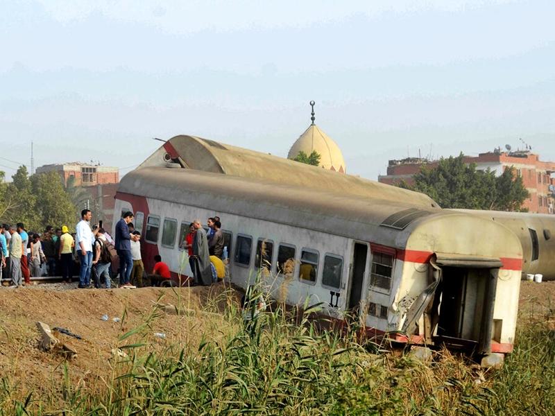 埃及列车出轨酿至少11死 司机及官员受查
