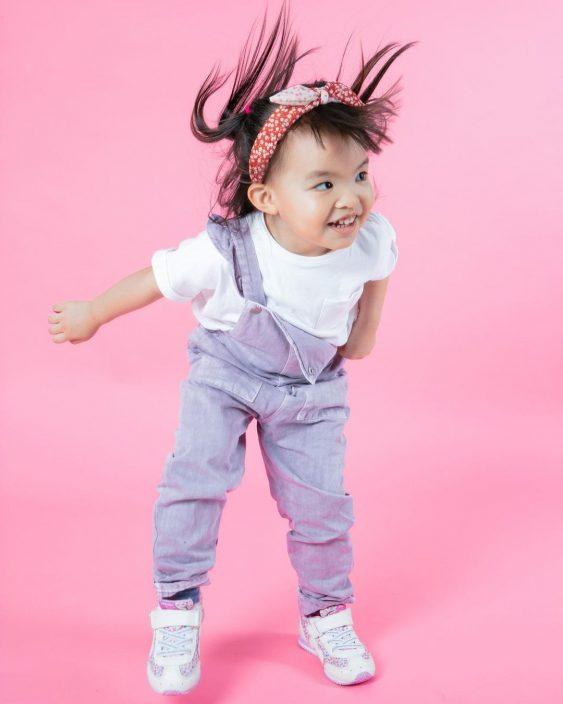 【细女靓咗】晒粉红Cute Cute影楼相       熊黛林幸福宣告孖女三岁嘞