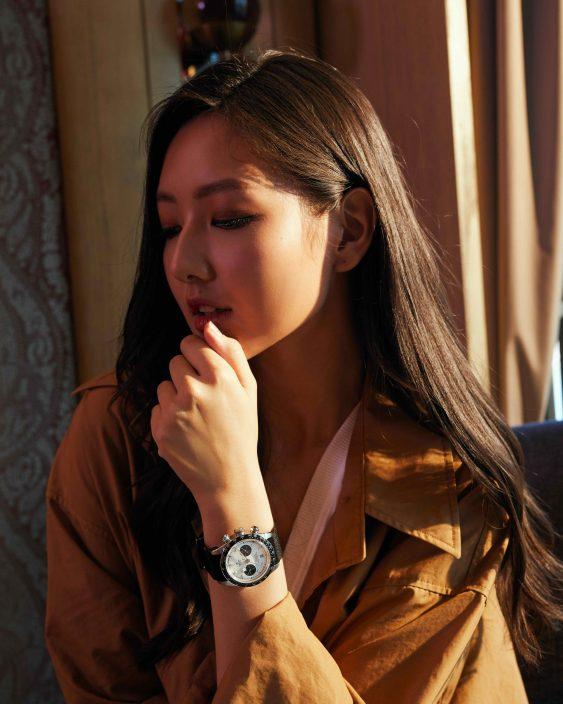 再续《E先生》MV情缘     吕爵安联同Mandy Locker齐代言腕表