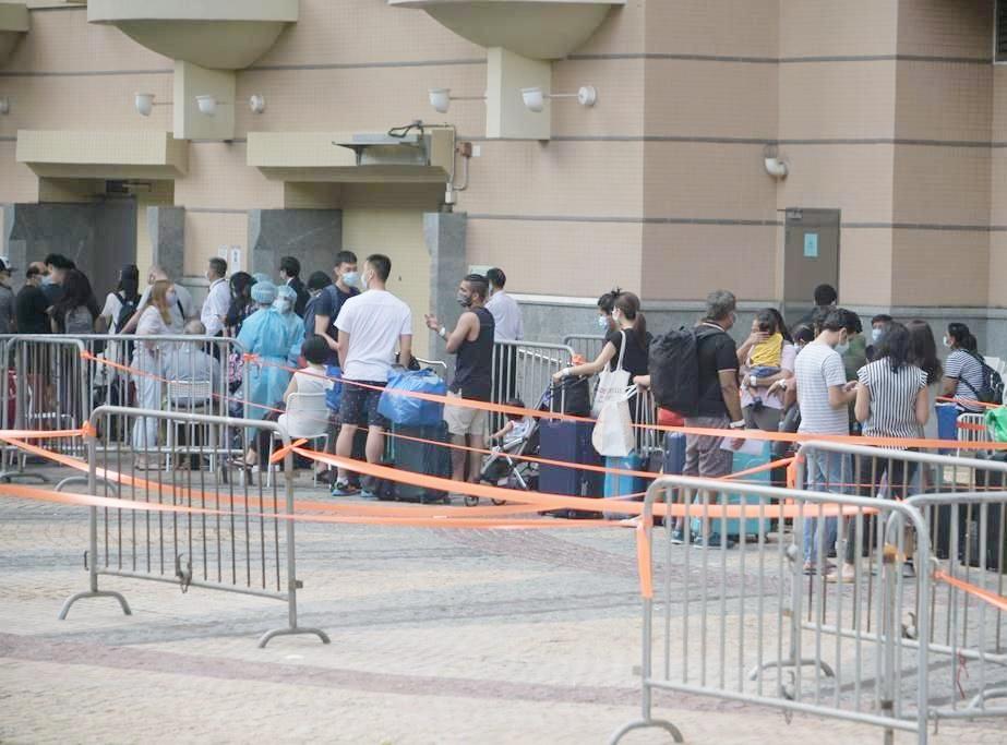 政府推3招应对变种病毒 包括撤离同一大厦居民并检疫21日