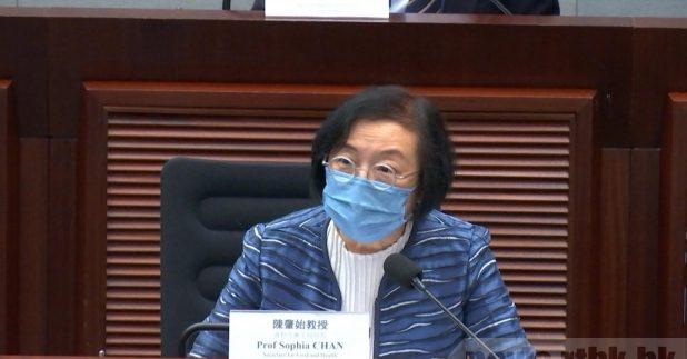 陳肇始說,政府決定早前已訂購的阿斯利康疫苗,不需要在本年內供港,以免造成浪費。