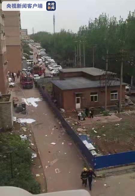 大连一高层住宅楼发生爆炸 造成一人死亡