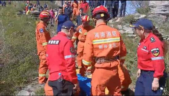 北京女游客新乡失足坠崖身亡,救援队:走的是放羊路