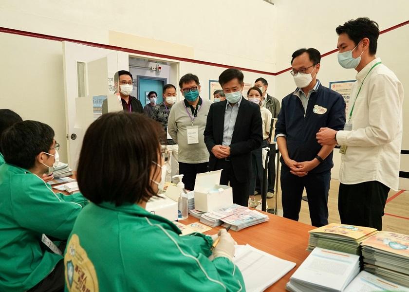 【Kelly Online】旅游业从业员开始疫苗接种中心工作 聂德权赞可发挥所长