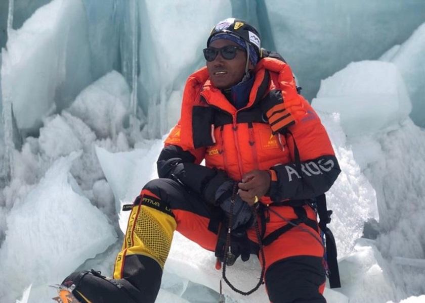 尼泊尔珠峰向导第25次登峰 创次数最多纪录