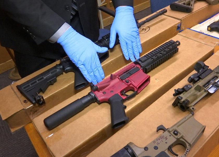 """美司法部拟加强管制""""幽灵枪械"""" 枪械组件须加上编号"""