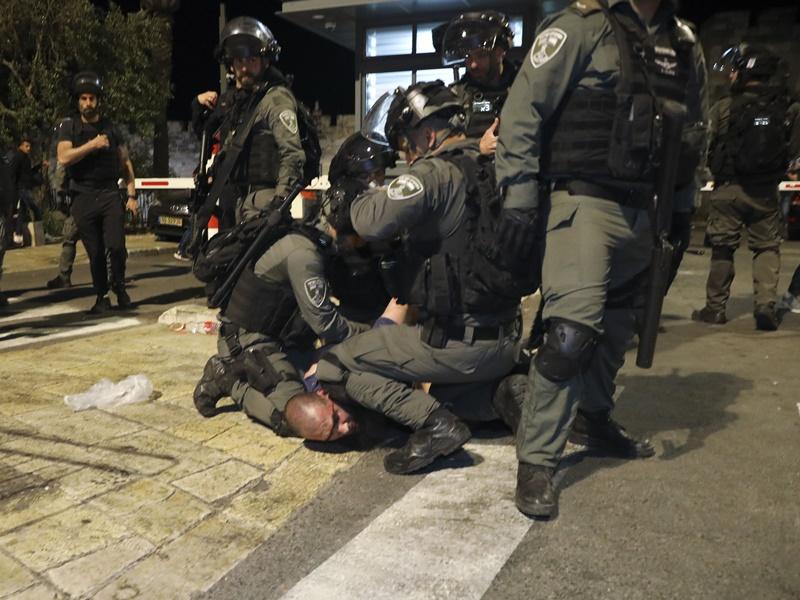 耶路撒冷清真寺再爆警民冲突 至少90伤包括幼童