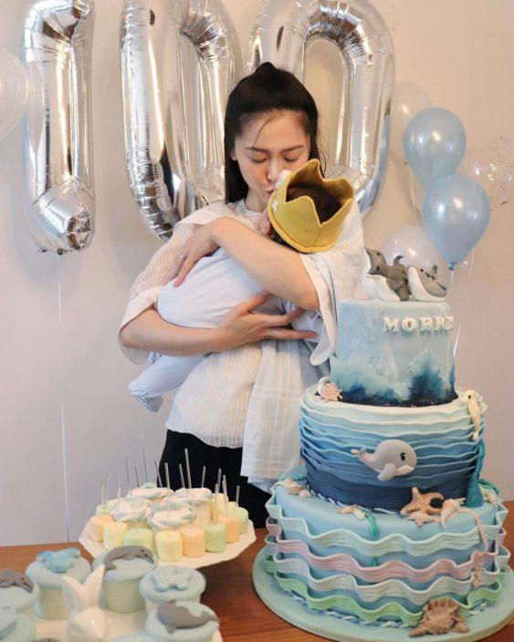第一年以妈妈身份过母亲节 周励淇硬食囝囝一脚