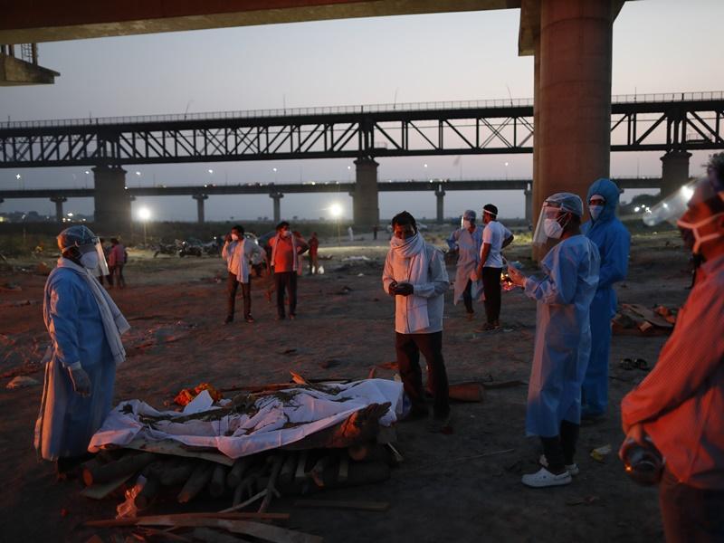 印度疫情严峻 连续4日新增逾40万人确诊