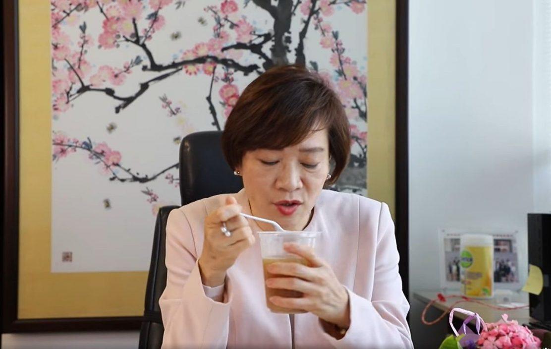 【Kelly Online】 议员分享母亲节惊喜及活动 梁美芬获儿子送鲜花炖汤