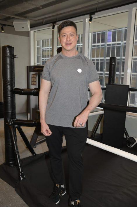 庞景峰预告工作有惊喜 郑健乐TVB合约冇底薪重投健身界