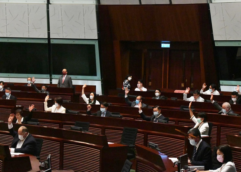 立法会通过公职人员宣誓草案 曾国衞表示岑敖晖等4人将失区议员资格