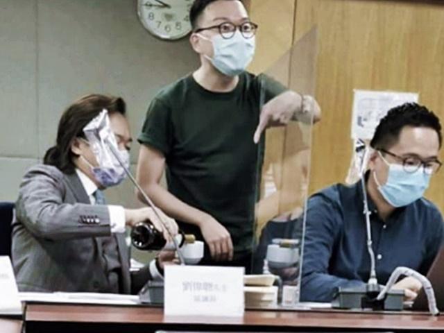 深水埗区议员开会饮红酒 民政署:感遗憾损区议会信誉