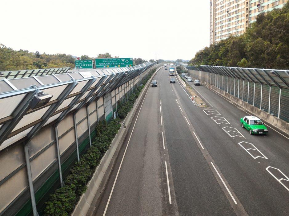 粉岭公路往元朗方向四车相撞 现场一度交通挤塞