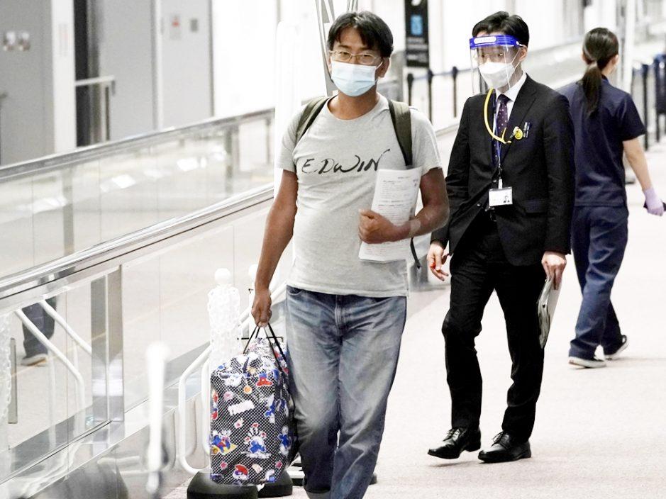 获缅甸军方撤销控罪 被拘日本记者返抵东京