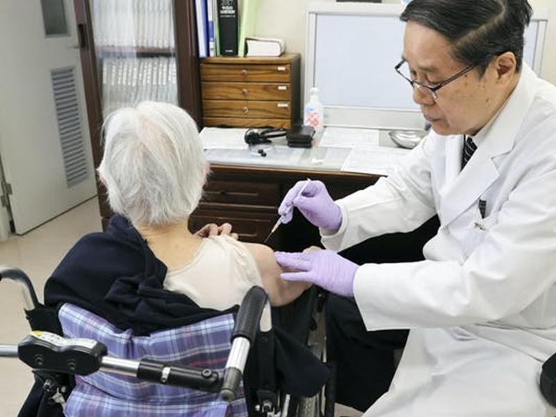 日本冲绳摆乌龙 5长者接种疫苗变注射生理盐水